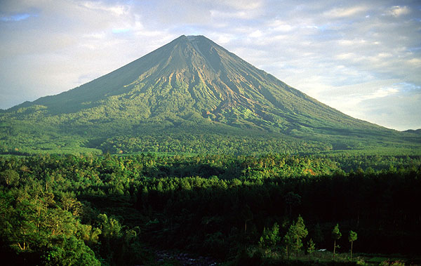Stratovolcanoes. Photos and brief explanation