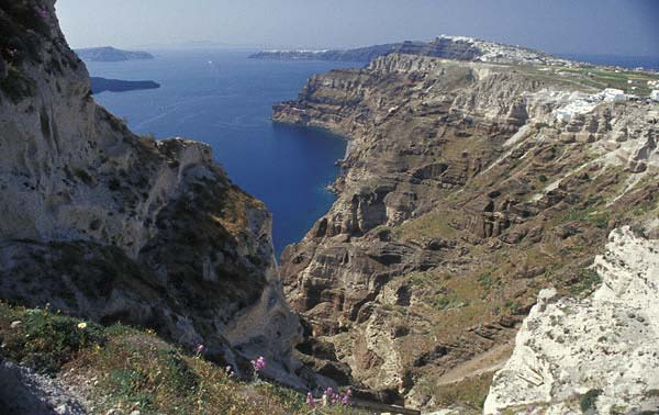Dating the minoan eruption of santorini